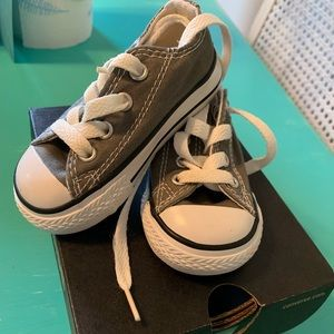 Infant Converse NWOT in Grey